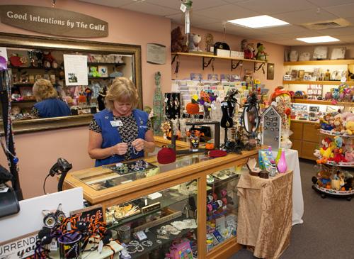 Gift shops healthalliance clinton hospital umass memorial health g gift shop negle Images