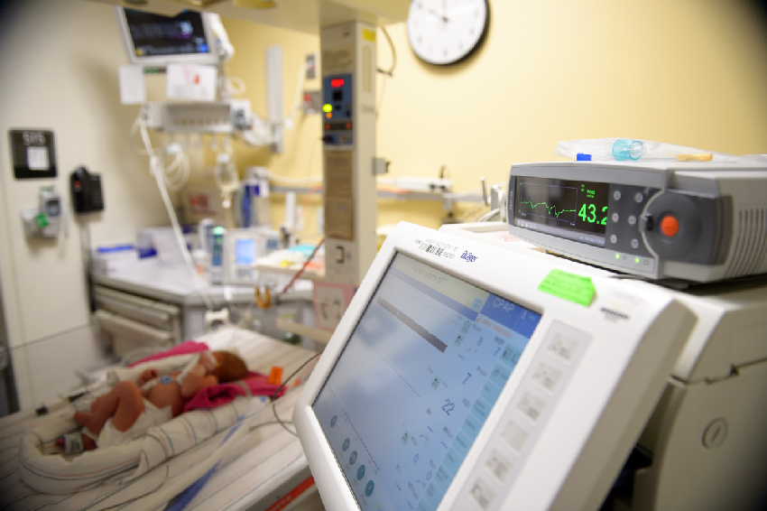 NICU C02 monitors